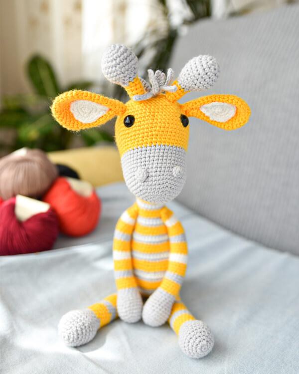 zürafa amigurumi oyuncak bebek
